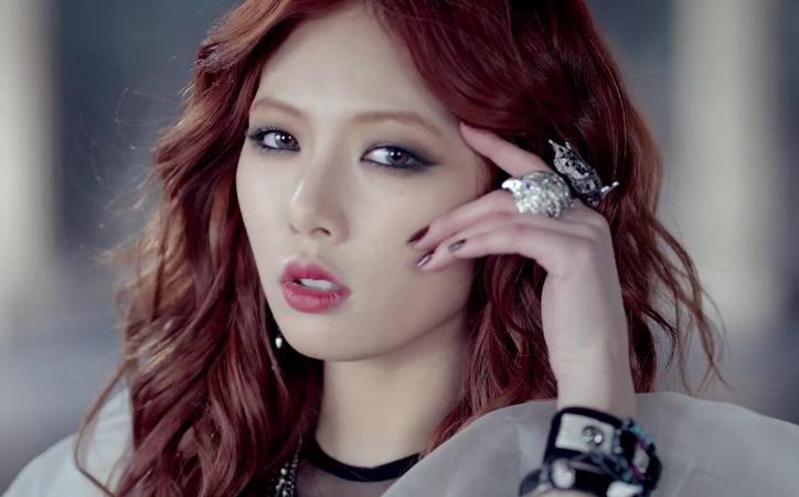 "Triple H (HyunA) >> Single ""Retro Future"" 4minute-volumeup-hyuna-3"